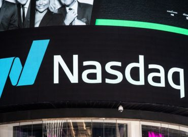 US NASDAQ holds strength whilst other sectors continue to whip around