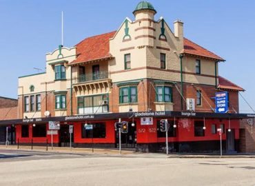 Opportune Redcape picks up struggling Sydney hotel, set to relaunch with refurb
