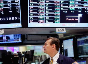 US markets reverse early sell down
