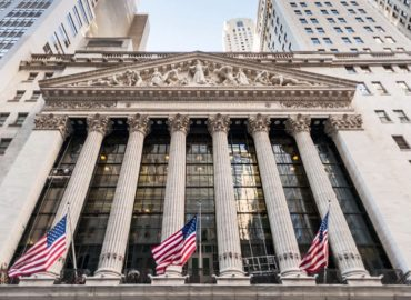 US Markets push higher to test all-time highs