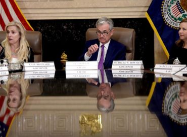 US markets whip as investors wait for the FED