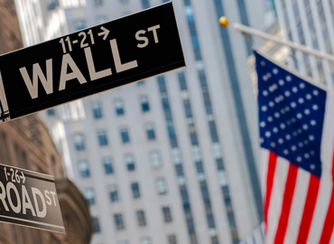 US markets start October in the green